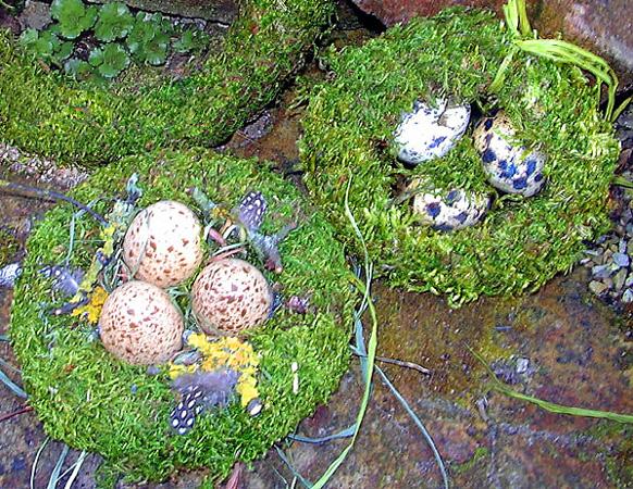 Mooskränze für Ostern