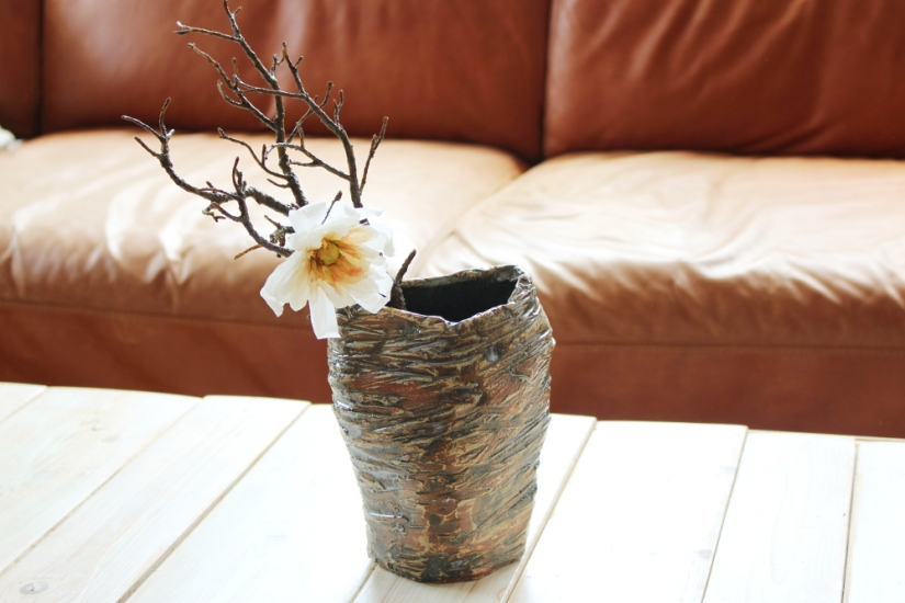 Sternmagnolie aus Papier inWabi-Sabi-Vase