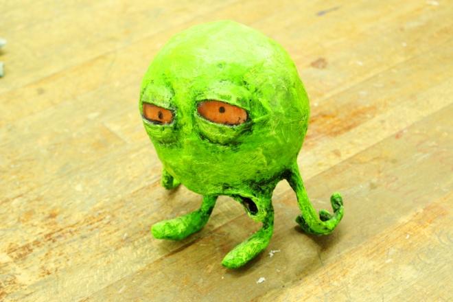Ganz schön fertig, das grüne Monster mit dem verschlafenen Blick und der schlaffen Haltung